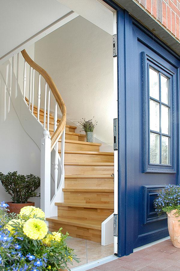 das treppen abc kl rt alles zum thema treppen gel nder auf. Black Bedroom Furniture Sets. Home Design Ideas